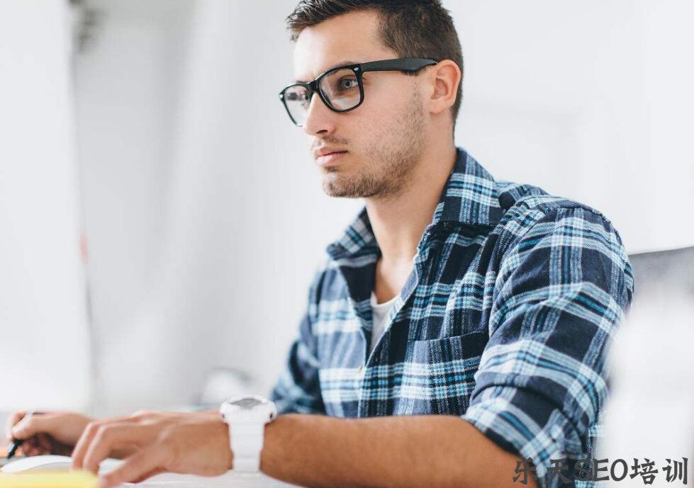 星尘传说私服:9个技巧让网页设计师增销数倍 第一张配图